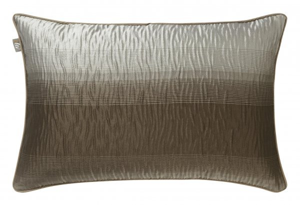 iLiv ombre_cushion_graphite.JPG